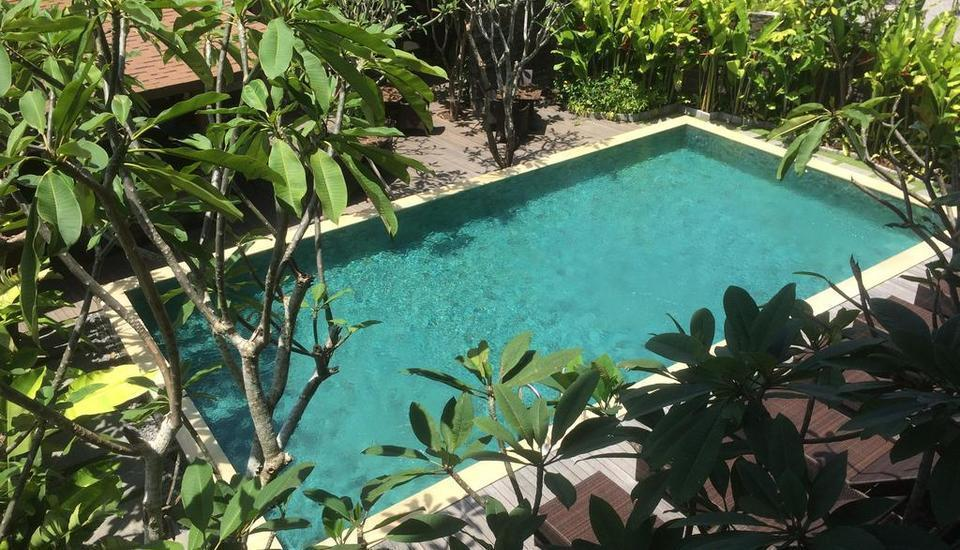 Puri Sabina Bed and Breakfast Bali - Pool View Room Last Minute