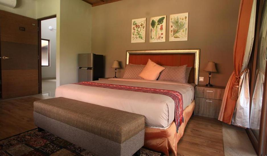 Puri Sabina Bed and Breakfast Bali - Pool View Room #WIDIH - Weekend Promotion Pegipegi