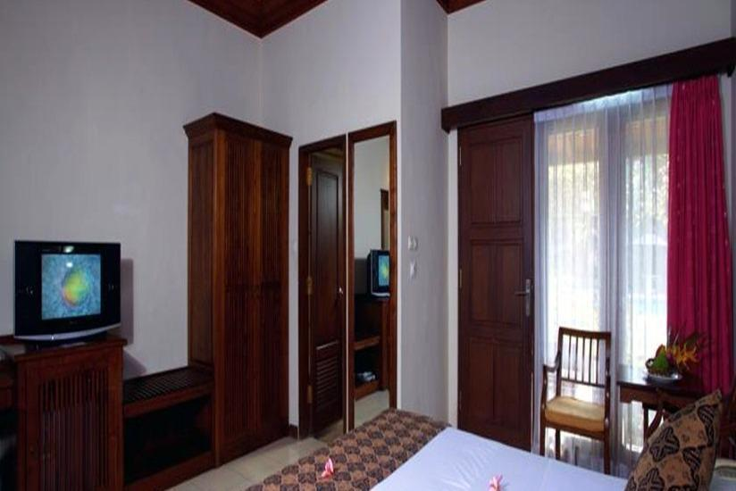 Puri Dalem Hotel Bali - Deluxe Room Only Basic Deal Promo 45%