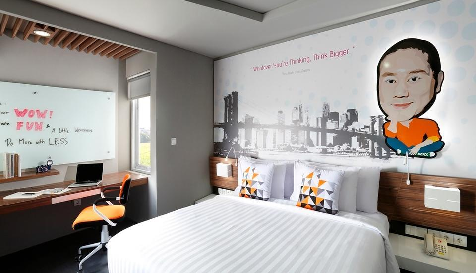 Berry Biz Hotel Bali - Deluxe Room with Breakfast Regular Plan