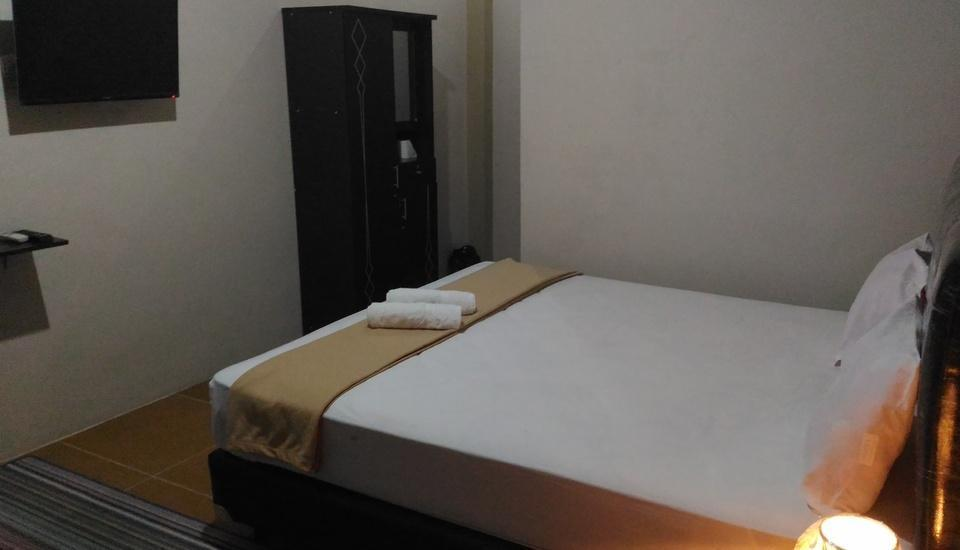 Tiara Guest House Banjarmasin - Deluxe Double Room Pegipegi Promotion