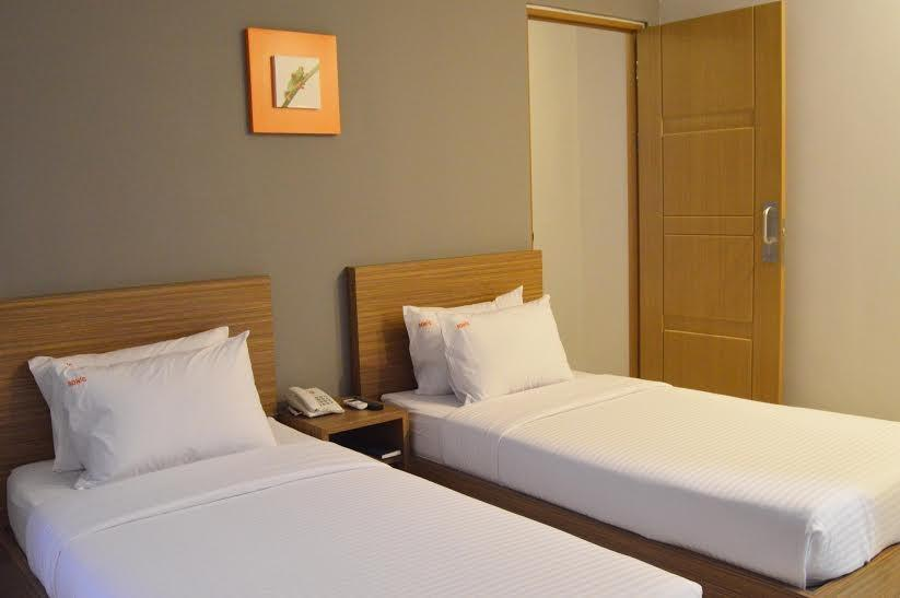 Hotel Sonic Semarang - Deluxe Twin Sharing Bed - with Breakfast Regular Plan