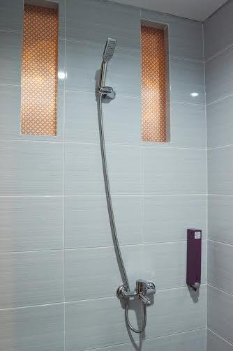 Hotel Sonic Semarang - Kamar mandi