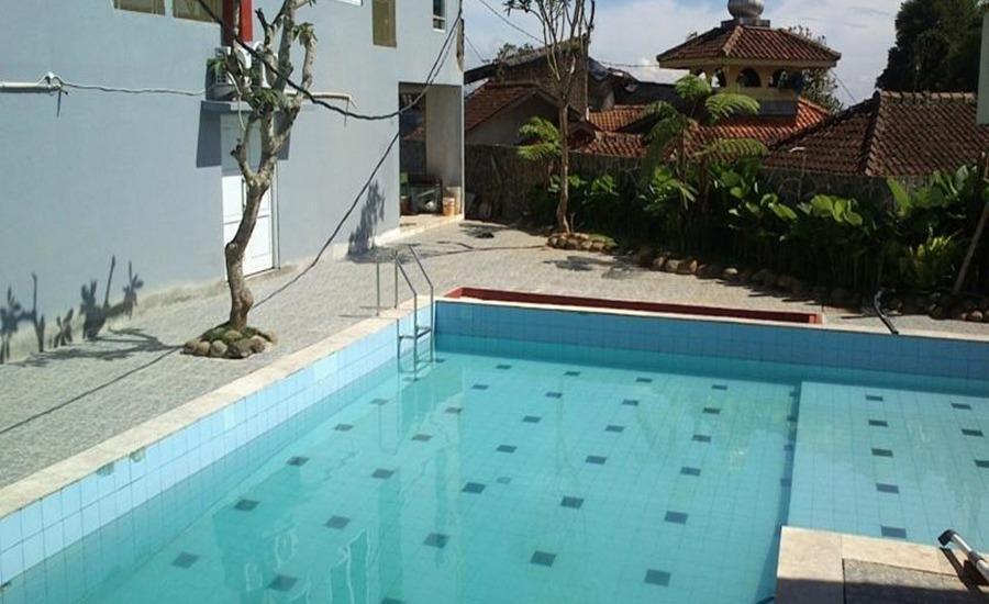 Albis Hotel Bandung - Kolam Renang