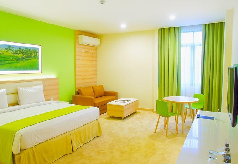 Puri Denpasar Jakarta - Premier Suite dengan sarapan Basic Deal