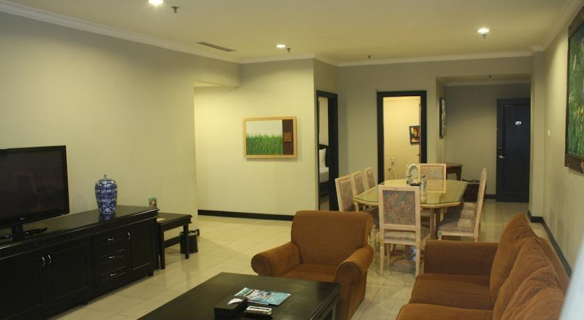 Puri Denpasar Jakarta - sofa