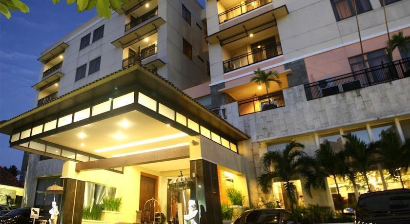 Puri Denpasar Jakarta - depan