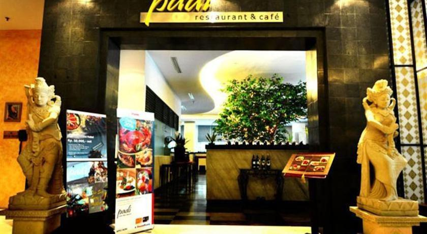 Puri Denpasar Jakarta - gate