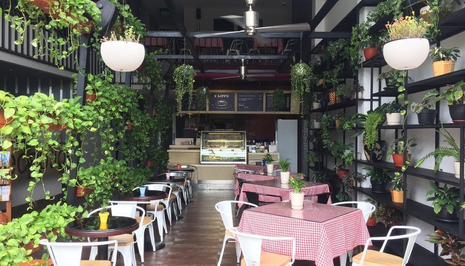 Loft Legian Bali - restaurant kopi