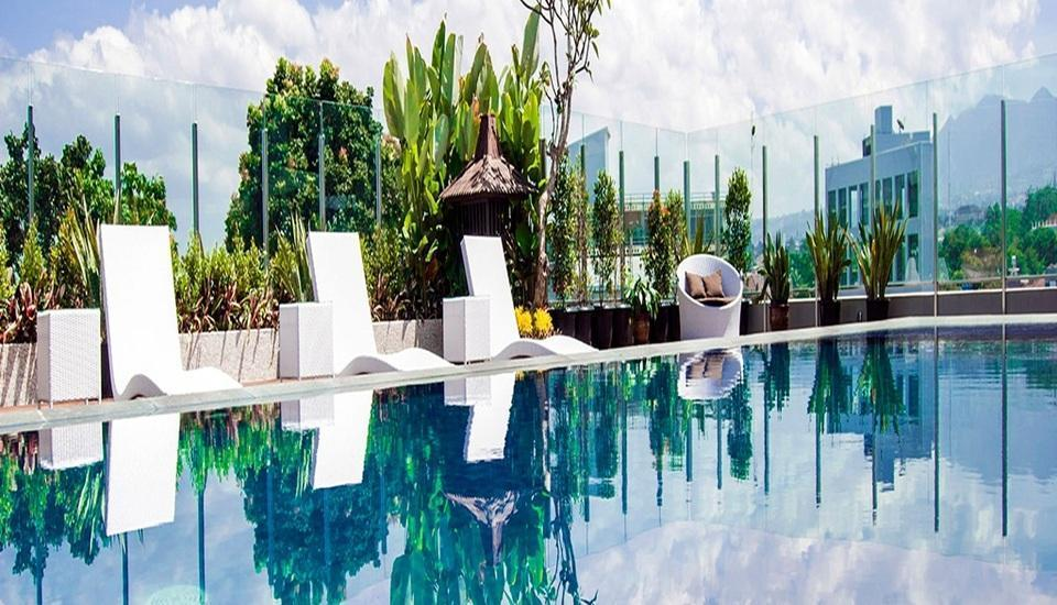de JAVA Hotel Bandung - Kolam Renang