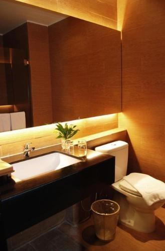 de JAVA Hotel Bandung - Bathroom