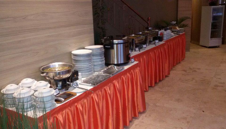 The Gloria Suites Jakarta - Sudut Sarapan