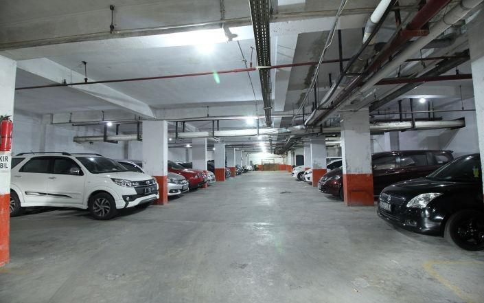 The Gloria Suites Jakarta - Parkir di Basement