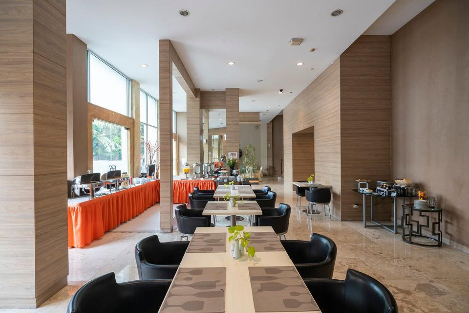 The Gloria Suites Jakarta - CAFFE