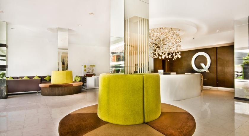 Q Hotel Bali - Resepsionis