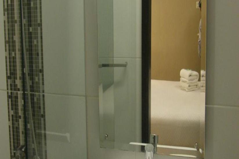 Simple Inn Solo - Kamar mandi