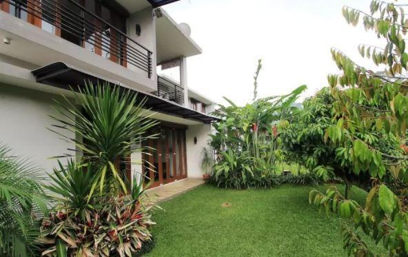 Villa Dago Nirwana Bandung Syariah Bandung - Backyard