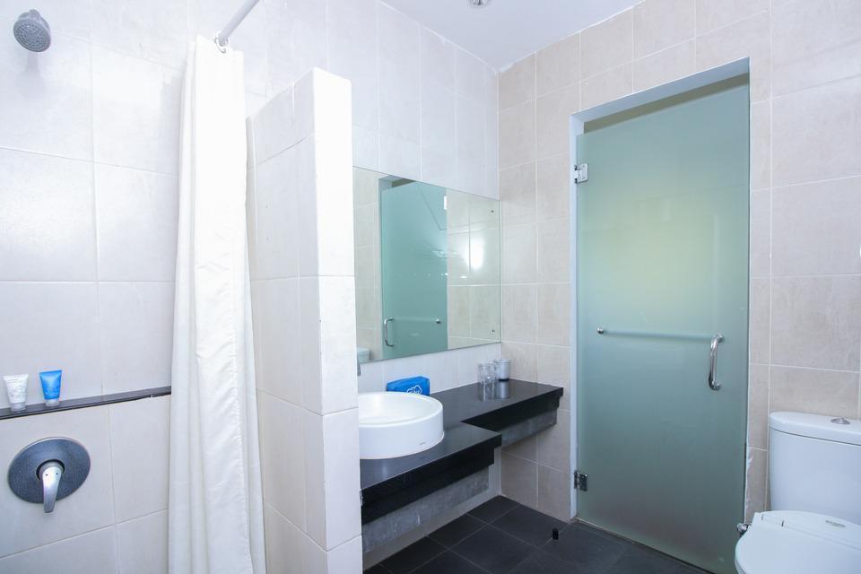 Airy Eco PGC Sukalila Selatan 47 Cirebon - Deluxe A_Bathroom