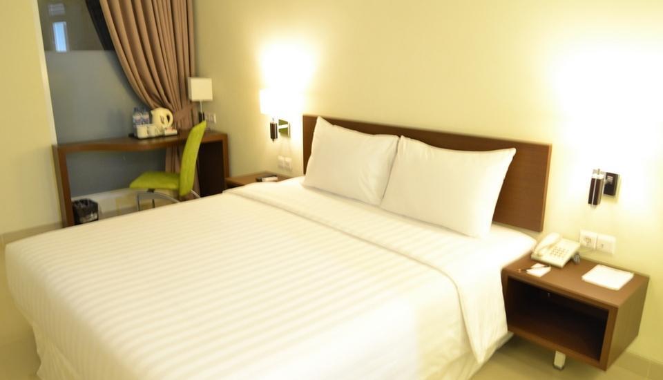 Whiz Prime Cifest Cikarang - Superior Room Only Regular Plan