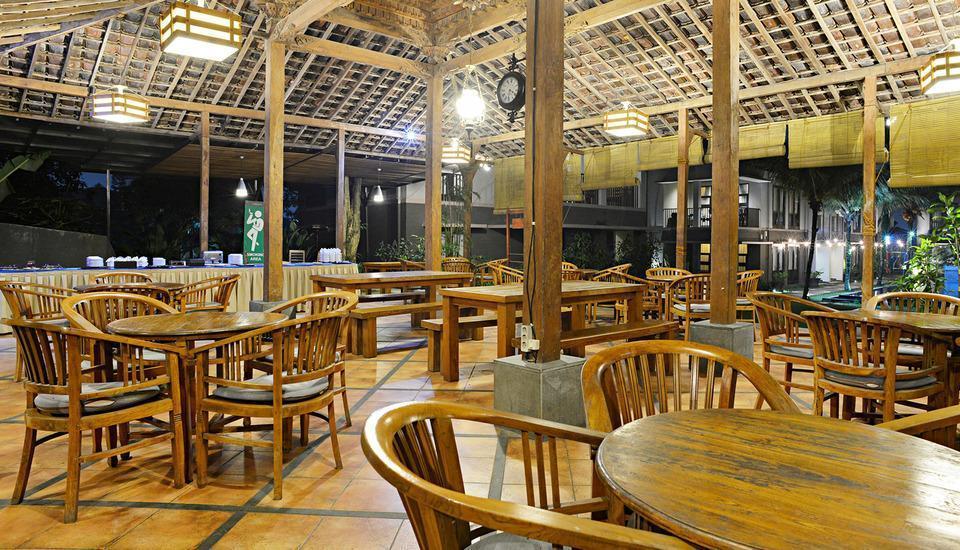 ZEN Premium Setrasari Bandung - Restoran