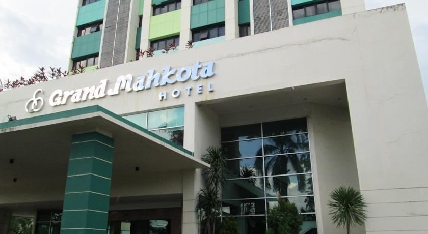 Grand Mahkota Hotel Pontianak - bangunan