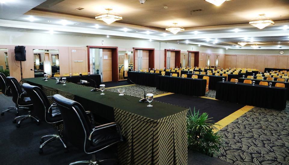 Grand Mahkota Hotel Pontianak - Hall