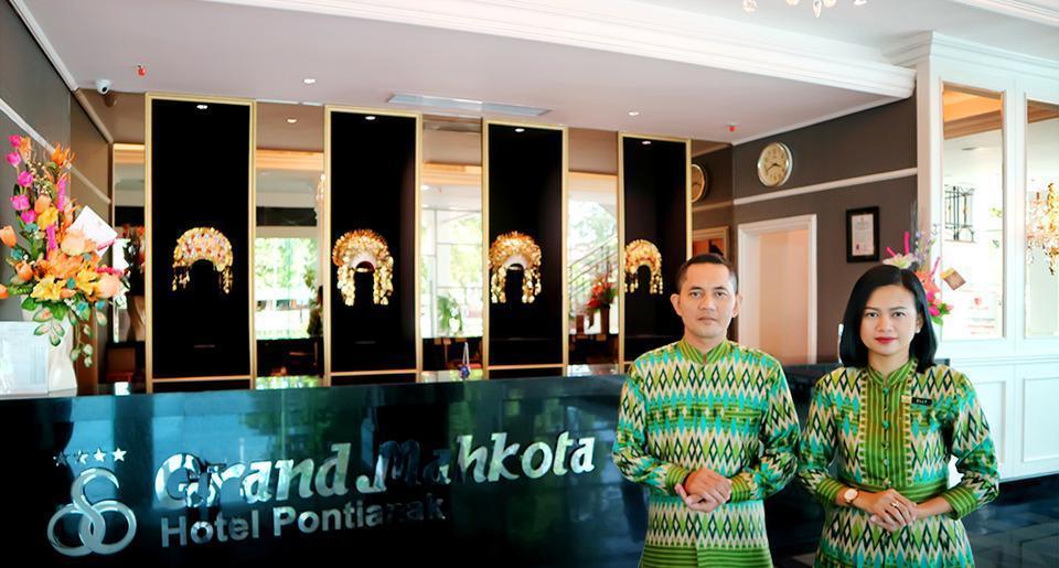 Grand Mahkota Hotel Pontianak - Resepsionis