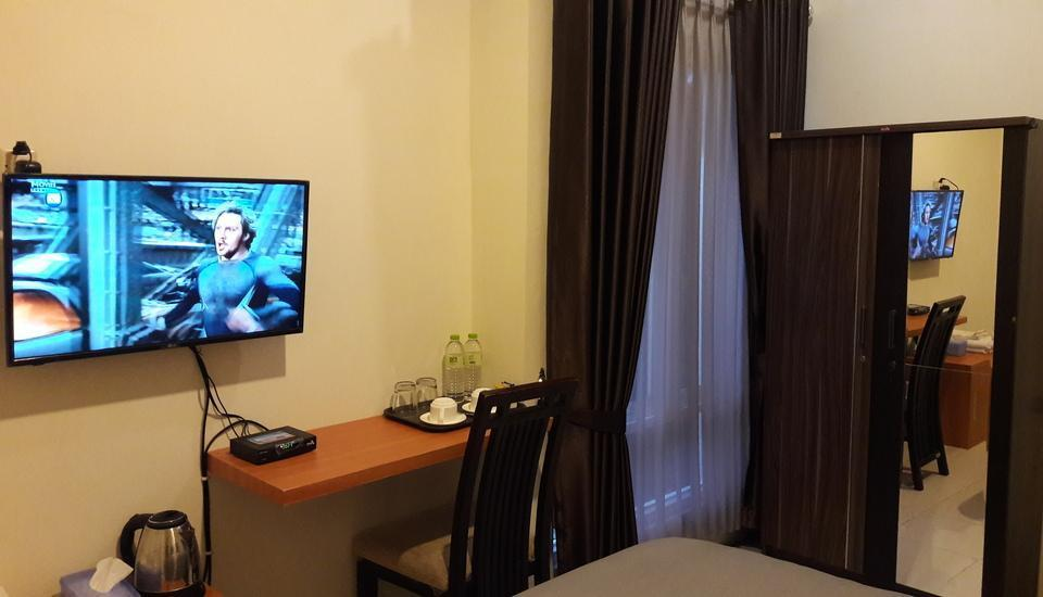 Banana Homestay Yogyakarta - Deluxe Double Room Only Regular Plan