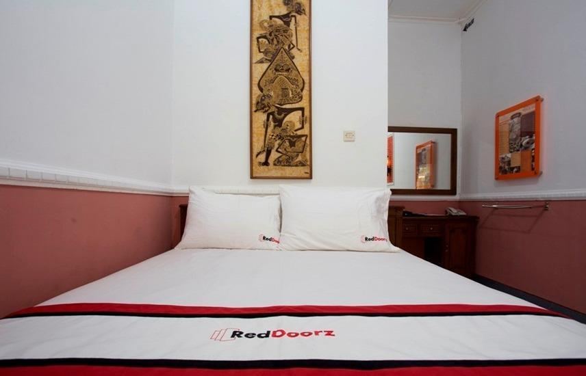RedDoorz at Condong Catur 2 Wijaya Kusuma - RedDoorz Room Regular Plan