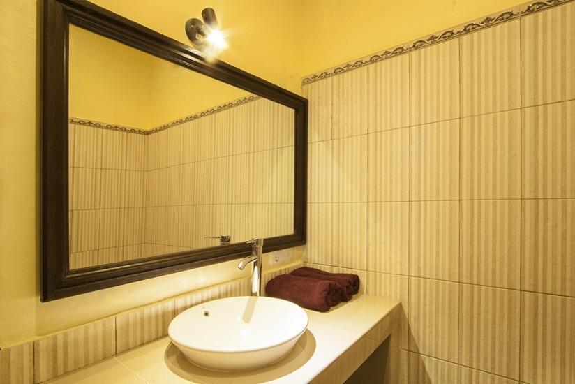 Tebe Saya Homestay Bali - Kamar mandi