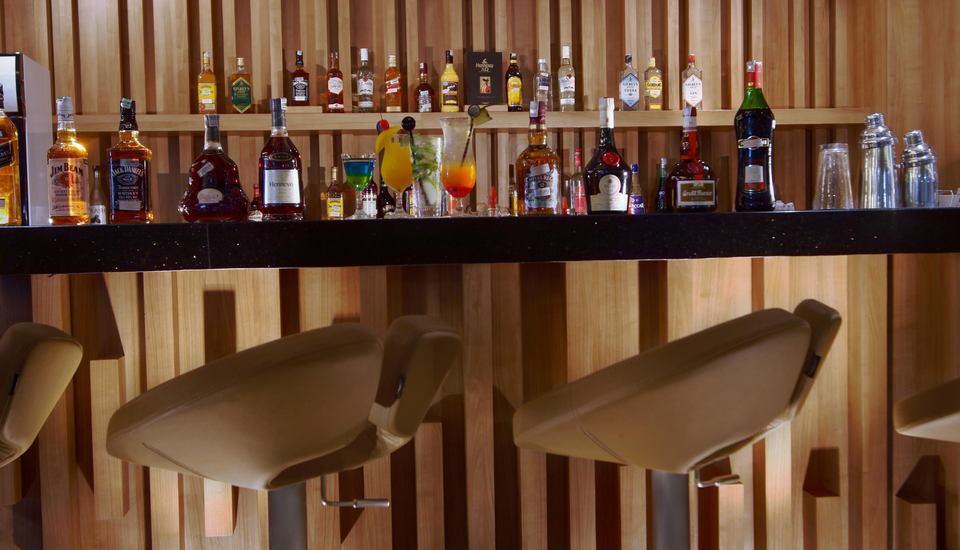 favehotel LTC Glodok - Lime Bar