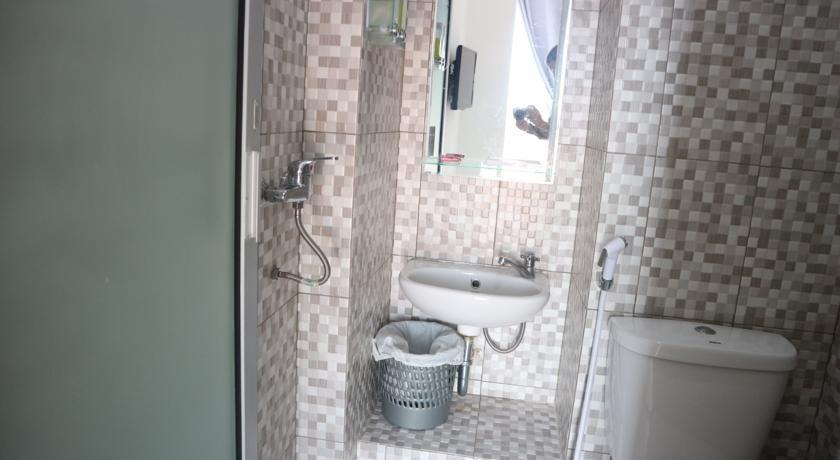 Denata B&B Palembang -  Bathroom
