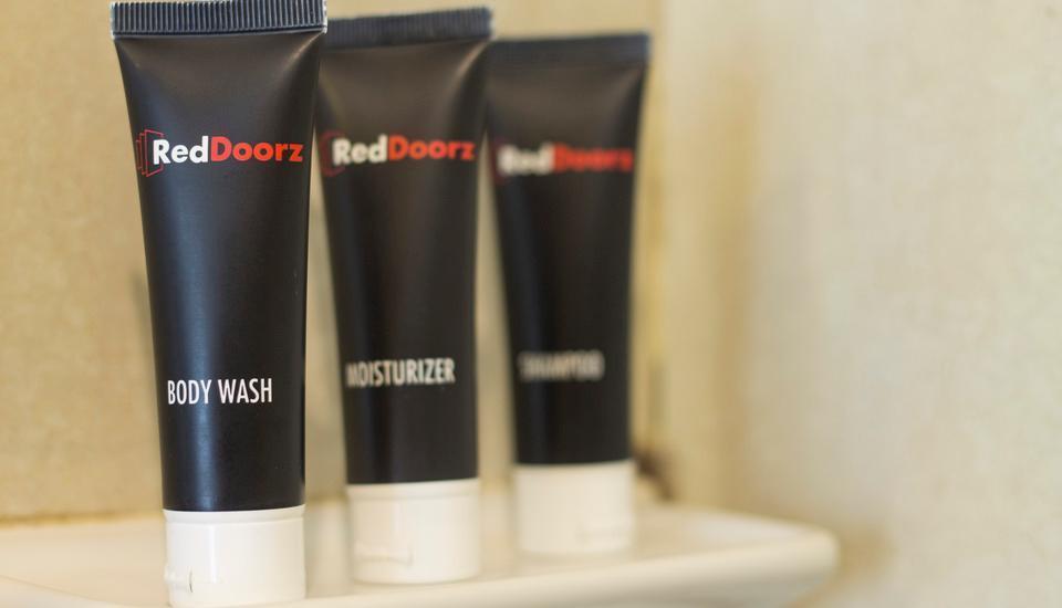 RedDoorz @Cipaganti 2 Bandung - Body Wash