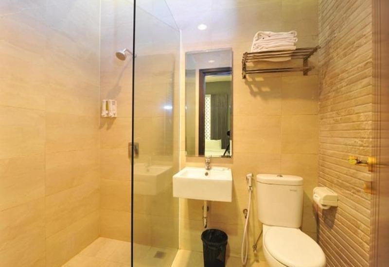 StudioInn & Suites Semarang - Kamar mandi
