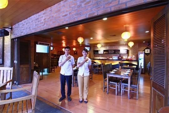 Hotel Horison Semarang - Waroeng Dimsum Restaurant