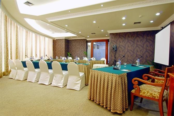 Hotel Horison Semarang - Chrysant meeting room (06/Dec/2013)