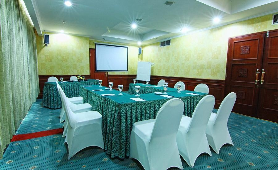 Hotel Horison Semarang - Edelweiss meeting room (06/Dec/2013)