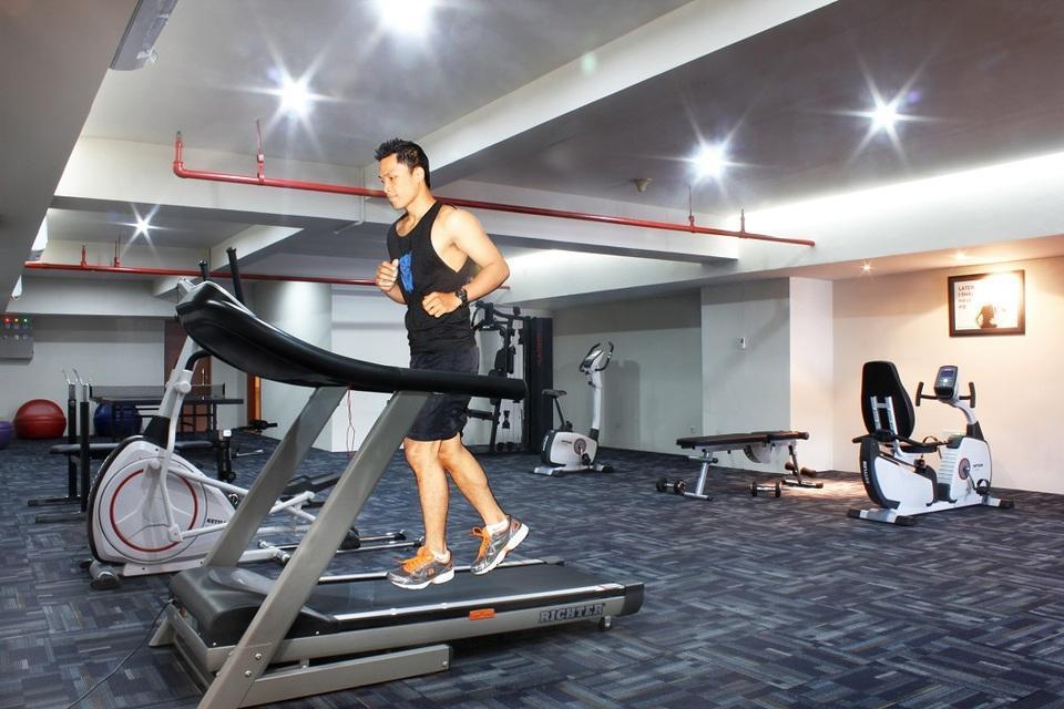 favehotel MEX Surabaya - gym