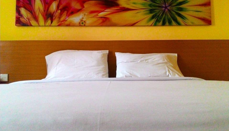 Hotel MJ Samarinda - Deluxe  Room Only Minimum Stay 4 Malam
