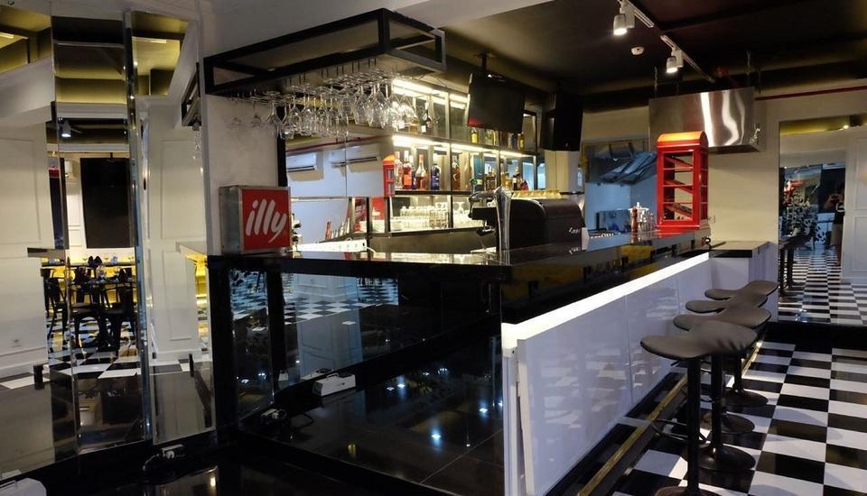 Grand Darmo Suite Surabaya - Ramarama Dine &lounge
