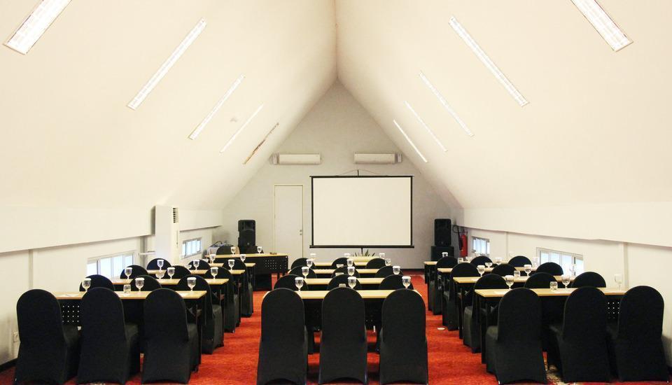 Grand Darmo Suite Surabaya - Ruang Rapat