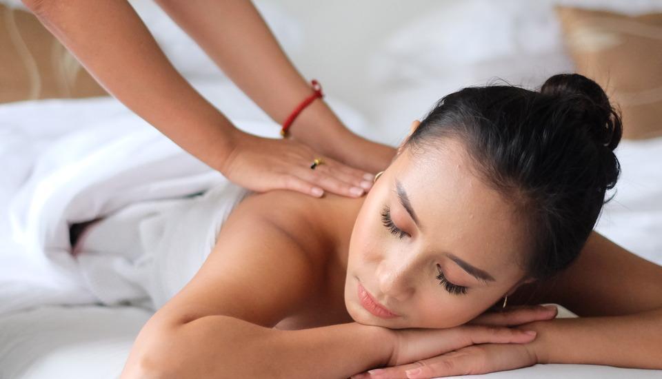 Grand Darmo Suite Surabaya - Spa & Massage