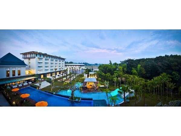 HARRIS Hotel Malang - Hotel Building