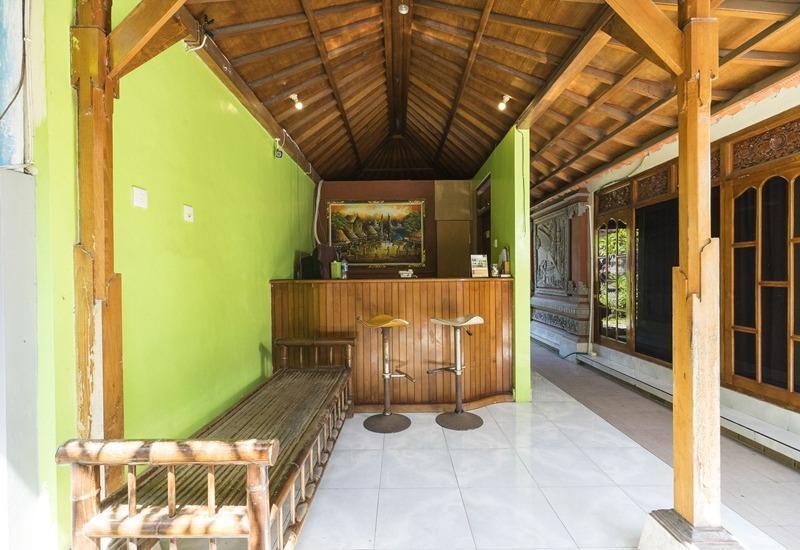 RedDoorz @Tanjung Benoa Bali - Resepsionis