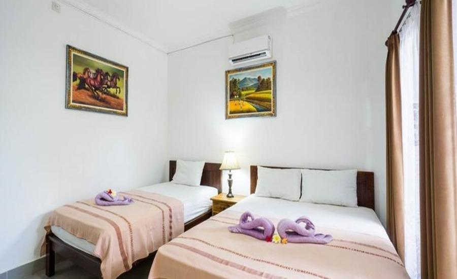 Widia Homestay Bali - Deluxe Triple Bed Room Regular Plan