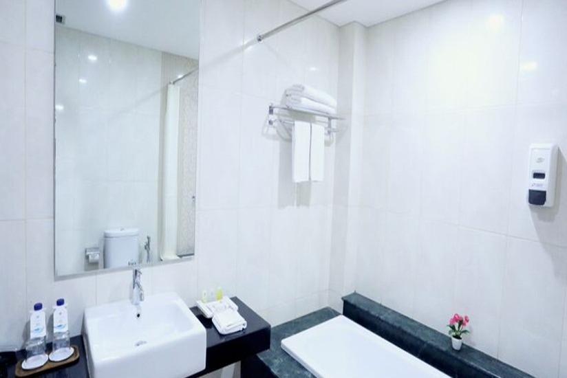 Hotel Anugerah Palace Solo - Kamar mandi