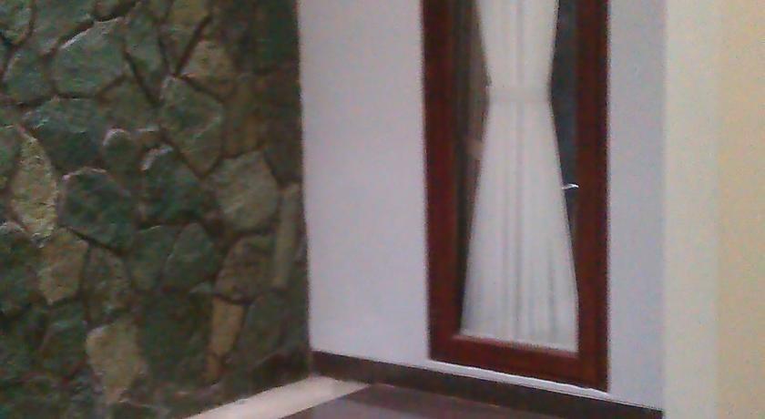 Rumah Sarwestri Bed & Breakfast Bandung - Eksterior