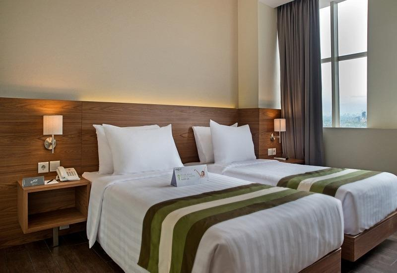Grand Whiz Poins Square Simatupang - Kamar Superior Twin