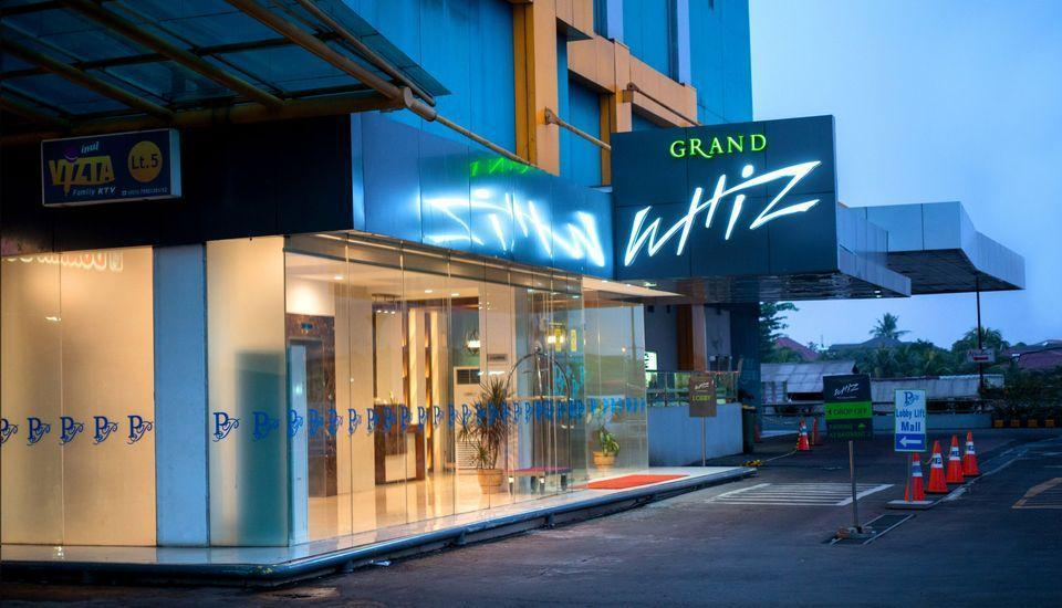 Grand Whiz Poins Square Simatupang - Pintu Masuk
