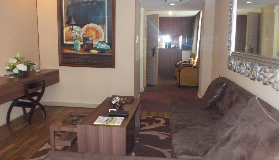Hotel Prima Cirebon - Executive Suite Living Room